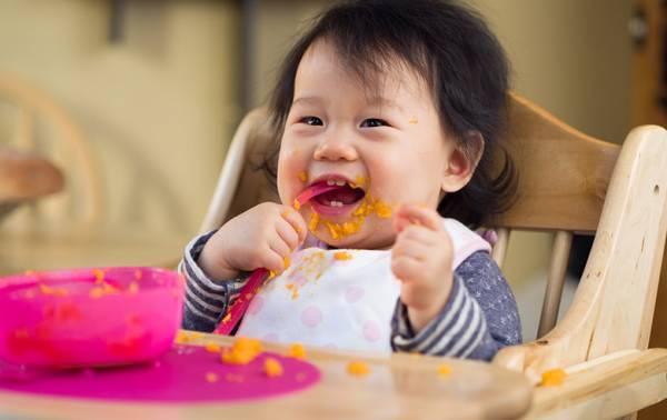 غذاهای انگشتی نوزاد ۶ الی ۹ ماهه