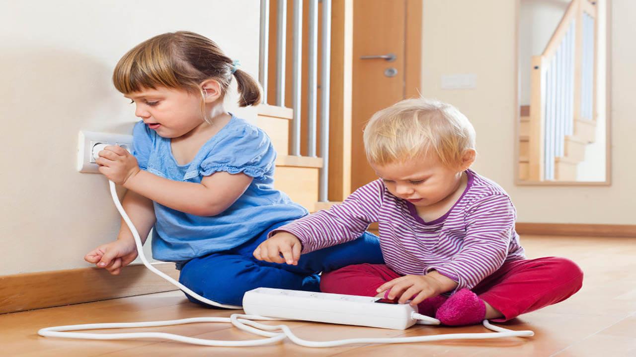 چگونه محیطی ایمن در خانه برای کودکان نوپا ایجاد کنیم؟