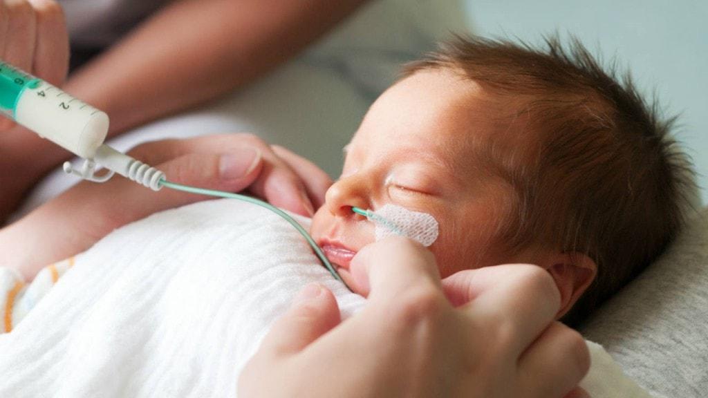 چگونه از نوزاد نارس در منزل مراقبت کنیم؟