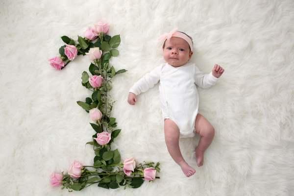 نوزاد یک ماهه چه مراقبت هایی لازم داره؟