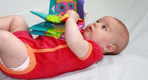 رشد حرکتی نوزاد 4ماهه