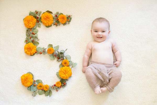 نوزاد 5 ماهه