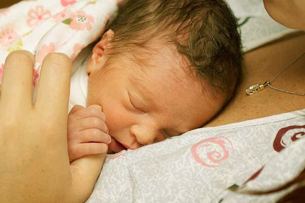 برای افزایش وزن نوزاد نارس چه باید کرد؟
