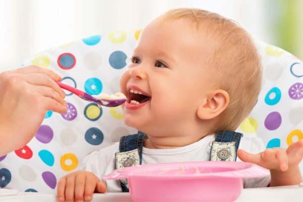 چه میوه هایی برای کودکان زیر یک سال ممنوعند؟